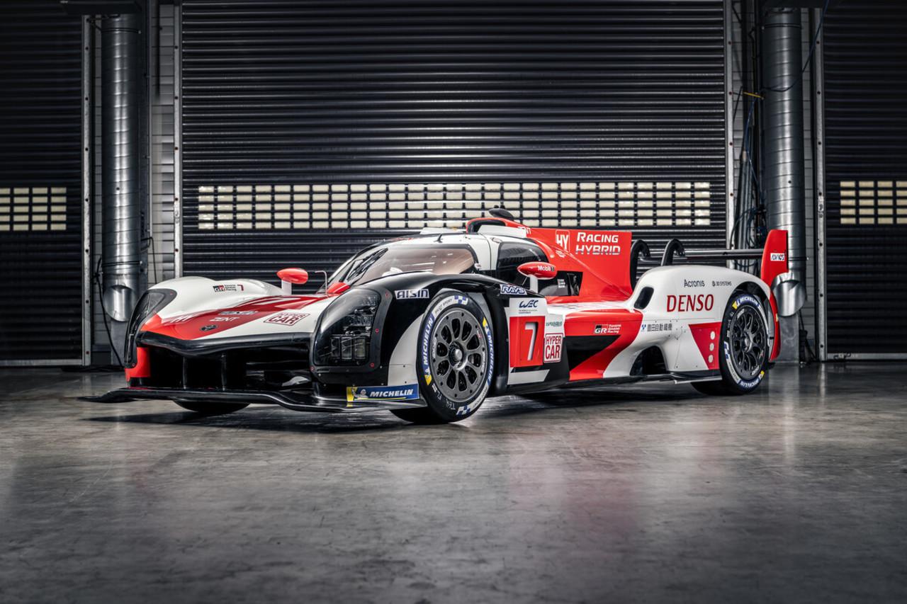 Toyota Gazoo Racing stellt neues Hypercar GR010 Hybrid vor...