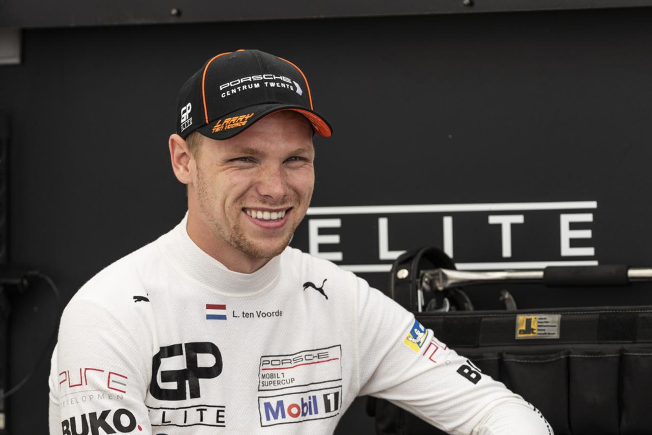 """Porsche Mobil 1 Supercup 2021: Der Gesamtsieger im Interview Porsche Supercup-Champion Larry ten Voorde: """"Ich hatte keinen Plan B""""."""